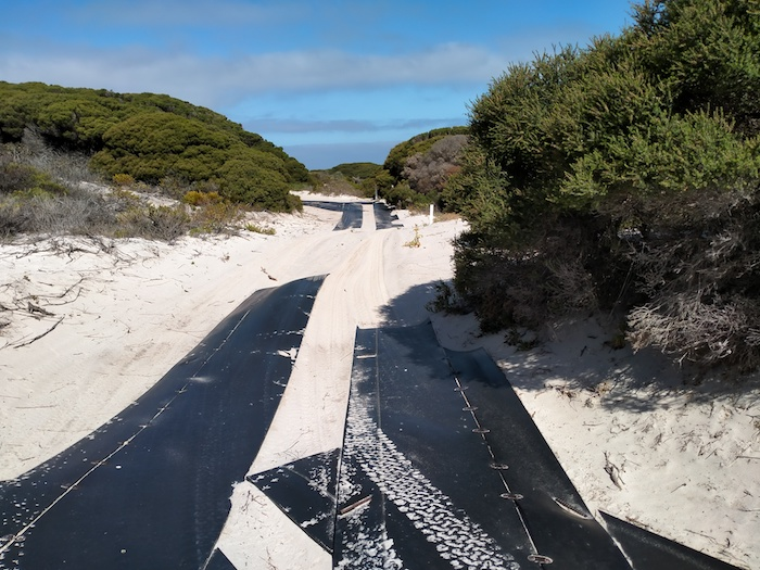The track down/up to East Munglinup Beach.